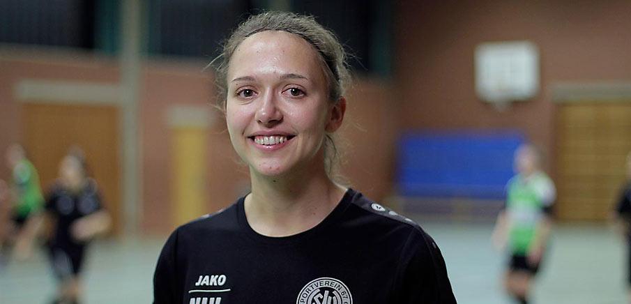 Nina Hirsch Gewinnt Dfb Wahl Amateurin Des Jahres 2017 Kommt Aus